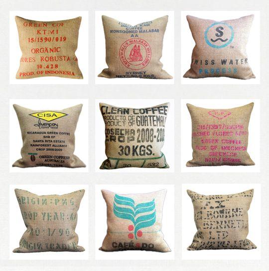 coussins originaux recouverts de sacs en toile de jute. Black Bedroom Furniture Sets. Home Design Ideas