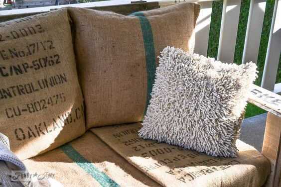 buy-used-jute-bags-to-decorate-your-armchairs